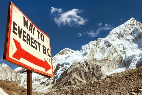Everest tackles 30-ton trash problem with campaign to clean up waste