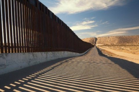 Private group unveils crowdfunded border wall despite legal hurdles