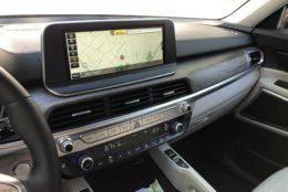 It features a Large 10-inch touchscreen and easy to use knobs and buttons. (WTOP/Mike Parris)