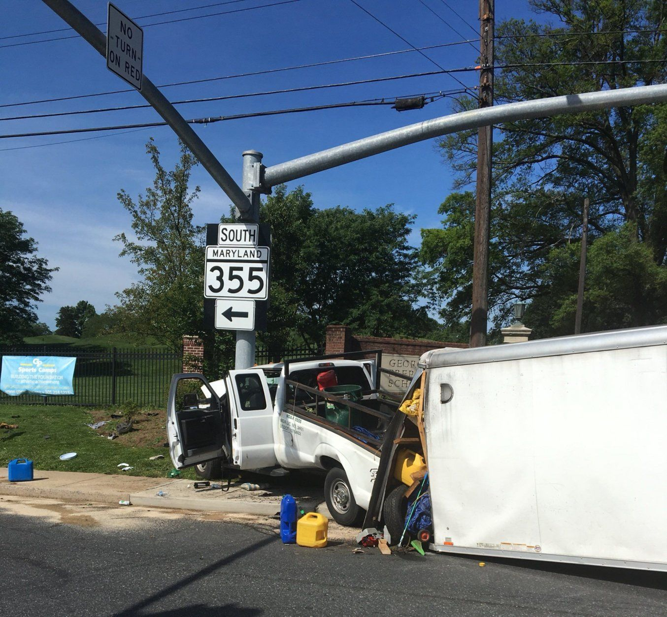 At least 7 injured in Rockville Pike crash | WTOP