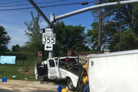 At least 7 injured in Rockville Pike crash