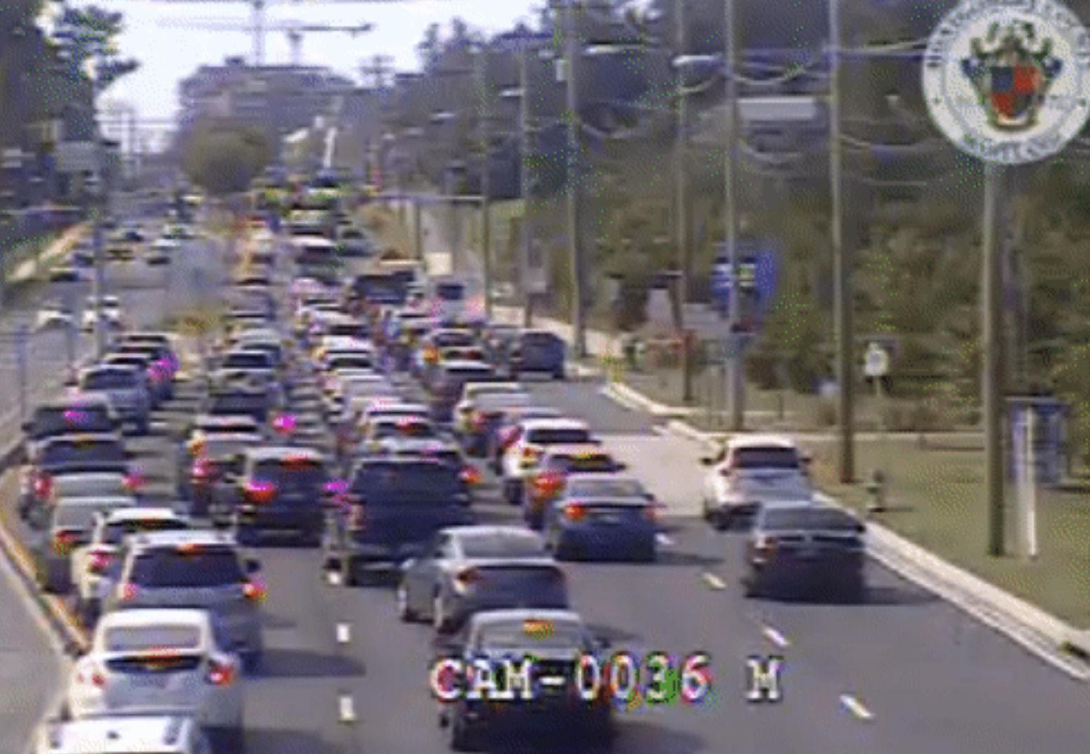 A Monday morning crash blocked lanes on Rockville Pike in north Bethesda. (Courtesy MDOT)