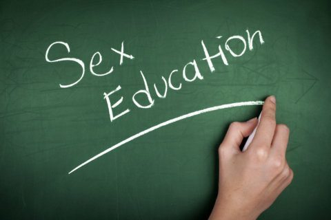 Sexting to be addressed earlier in Fairfax Co. sex ed curriculum