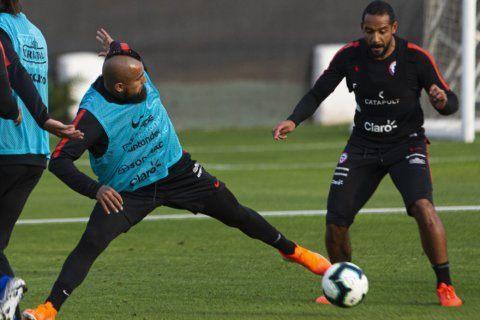 Vidal says fading Chile will show true face in Copa America