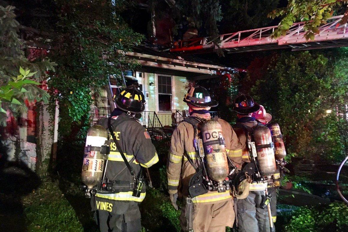 Woman Dies In Towering Northeast Dc House Fire Wtop