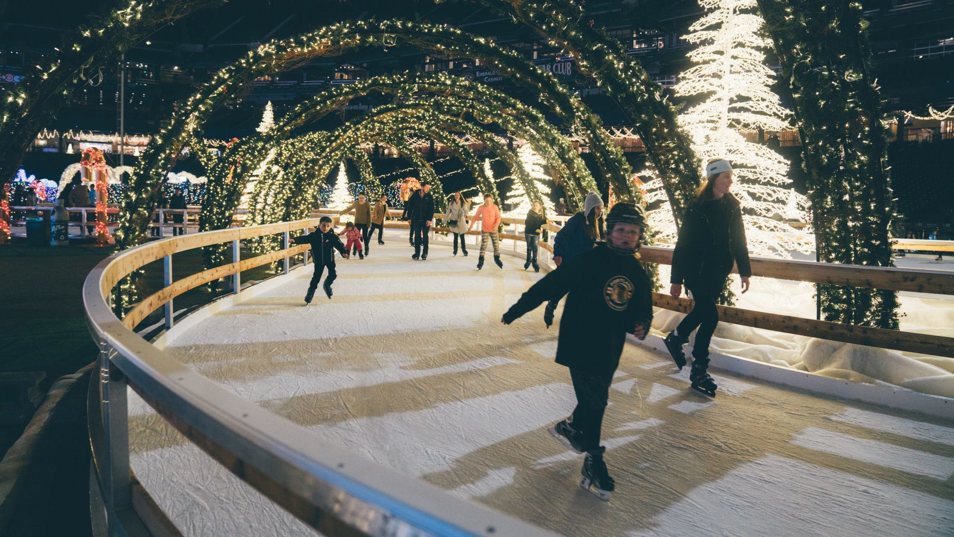 Enchant Christmas.Photos Nationals Park To Get Huge Christmas Maze And Market