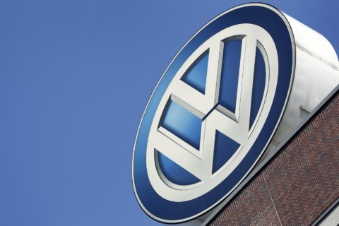 VW recalls 679K cars in US to fix potential rollaway problem