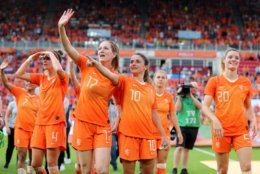 EINDHOVEN, NETHERLANDS - JUNE 01: The team of Netherlands celebrates after the international friendly match between Netherlands Women and Australia Women at Phillips Stadium on June 01, 2019 in Eindhoven, Netherlands. The match between the Netherlands and Australia ended 3-0.  (Photo by Christof Koepsel/Getty Images)