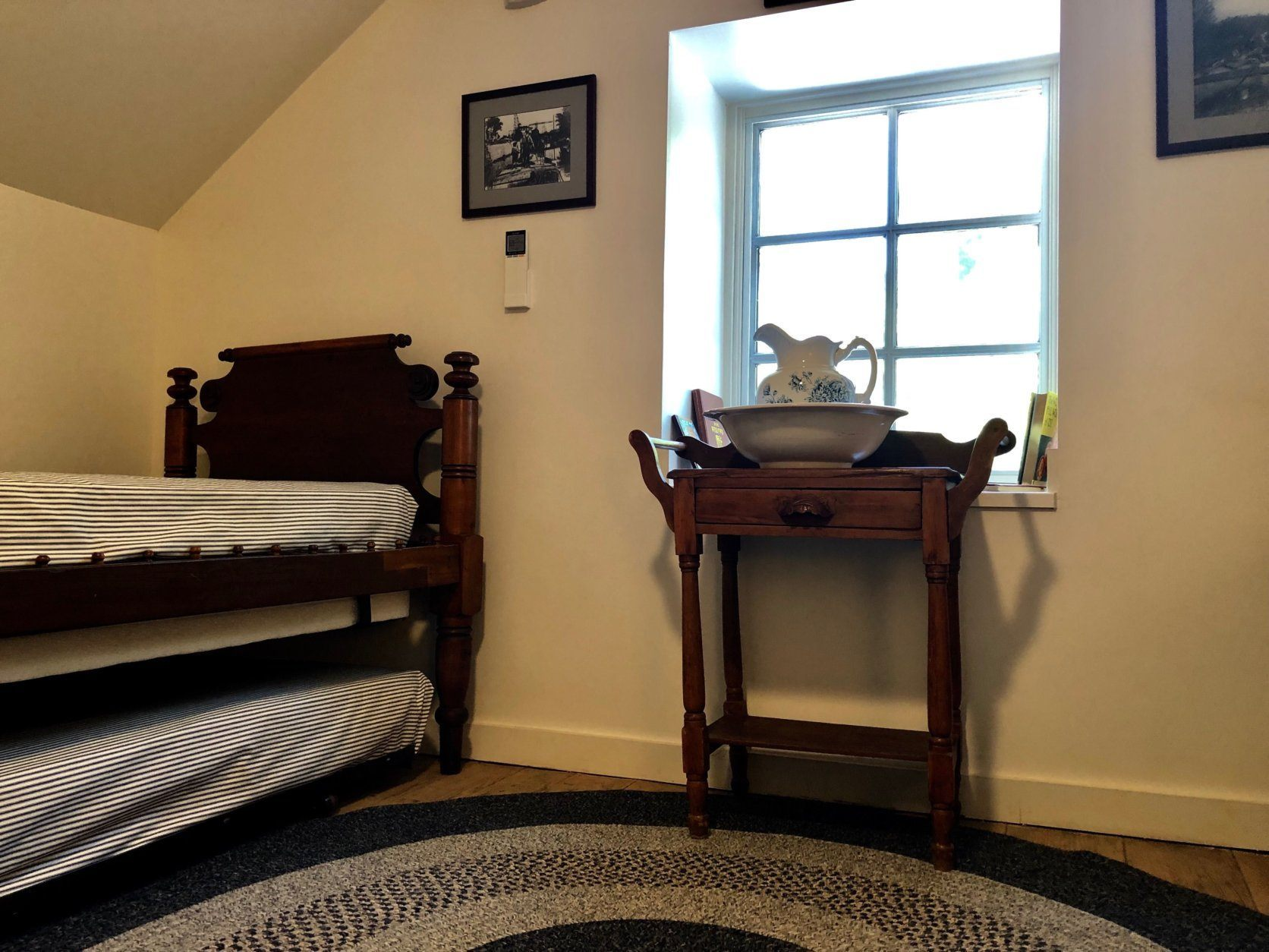 Trundle beds in the upstairs room in Swains Lockhouse. The Lockhouse can sleep up to 8 people. (WTOP/Kate Ryan)
