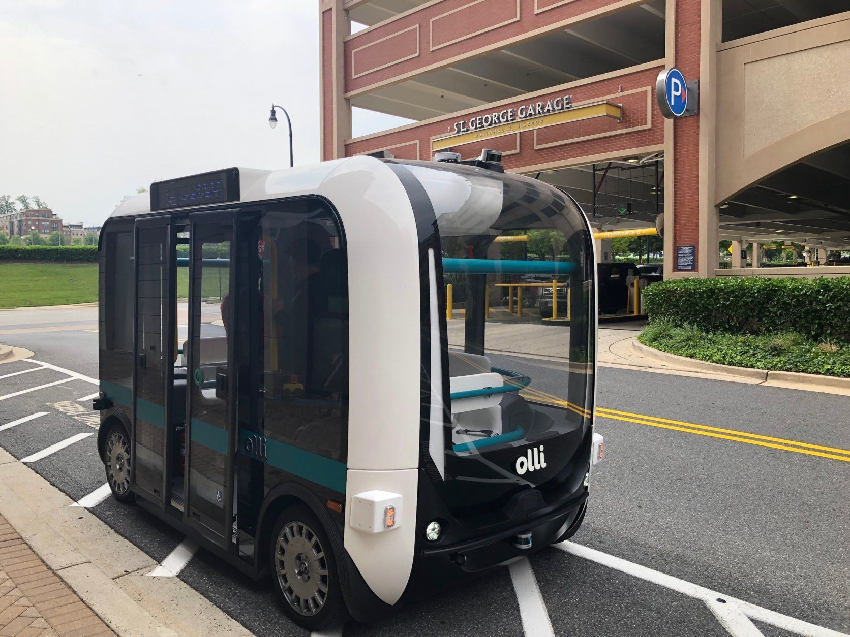 A self-driving shuttle bus is at National Harbor and is coming to Joint Base Myer-Henderson Hall. (WTOP/John Aaron)