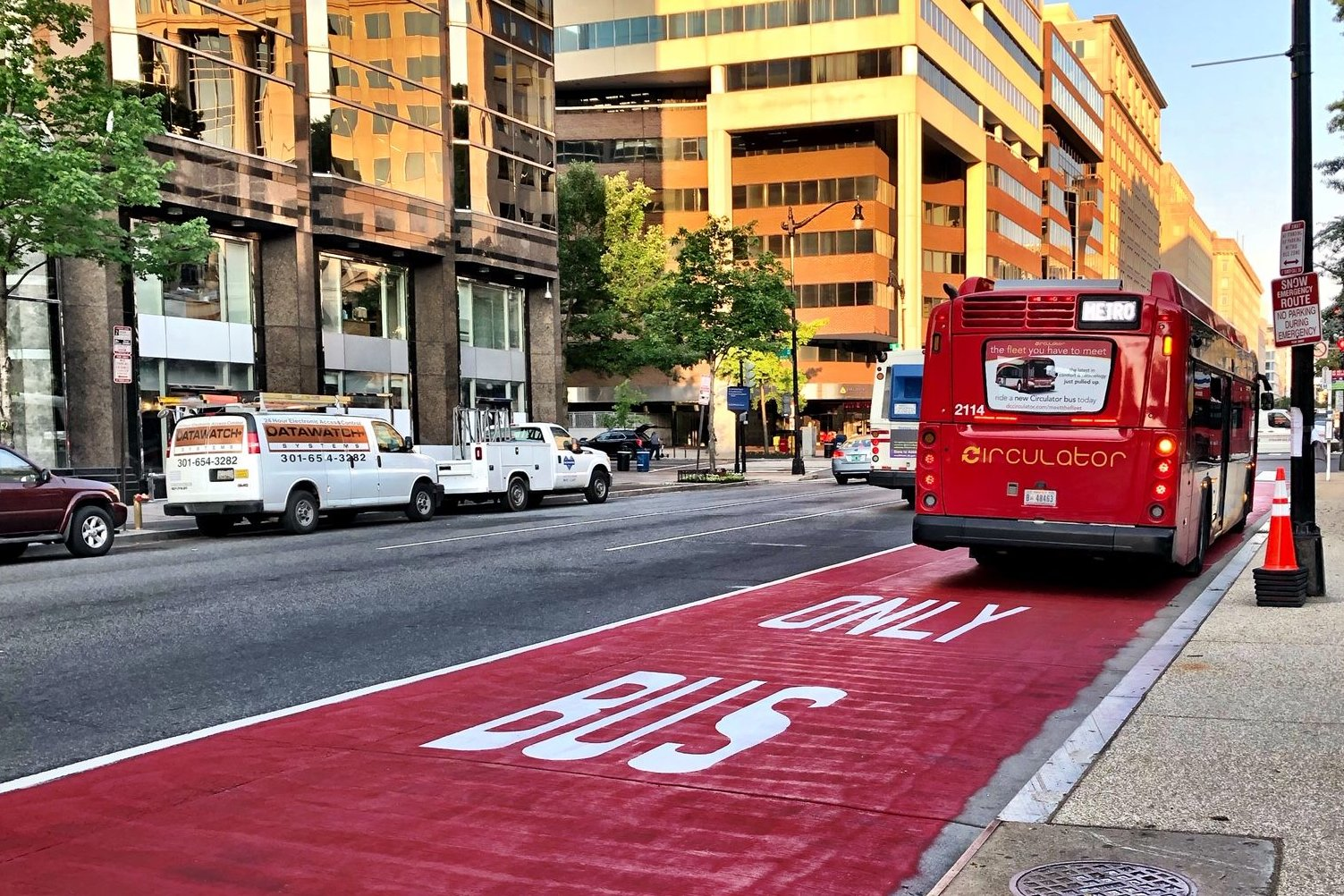 red bus only lanes in DC