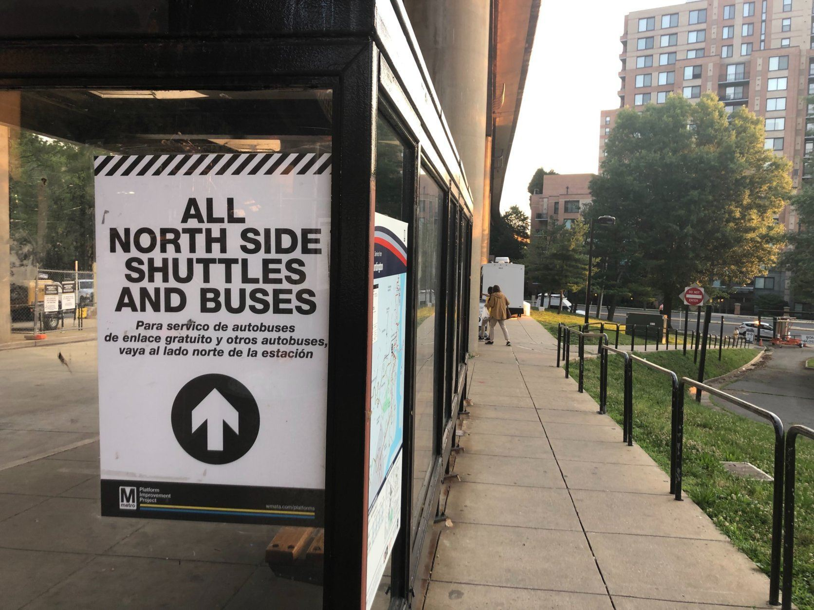 Signs have been posted alerting riders to the changes to the Huntington-Pentagon Express shuttle routes. (WTOP/Melissa Howell)