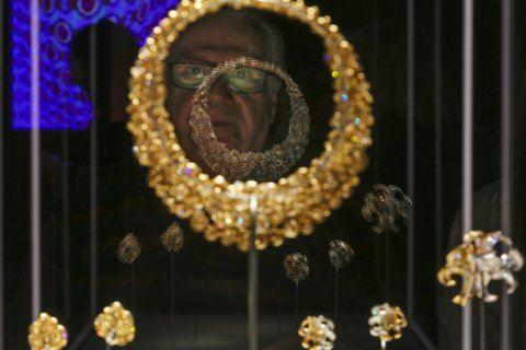 "Bulgari exhibit in Rome features ""La Dolce Vita""-era jewels"
