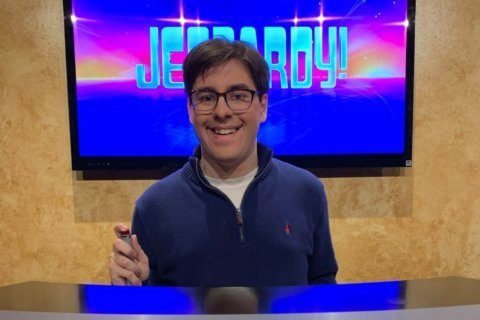 Arlingtonian buzzes into Jeopardy! next month