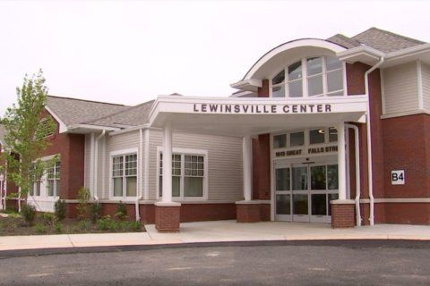 Fairfax County calls for more volunteers at Lewinsville Center