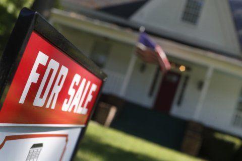 US long-term mortgage rates fall; 30-year loan at 3.73%