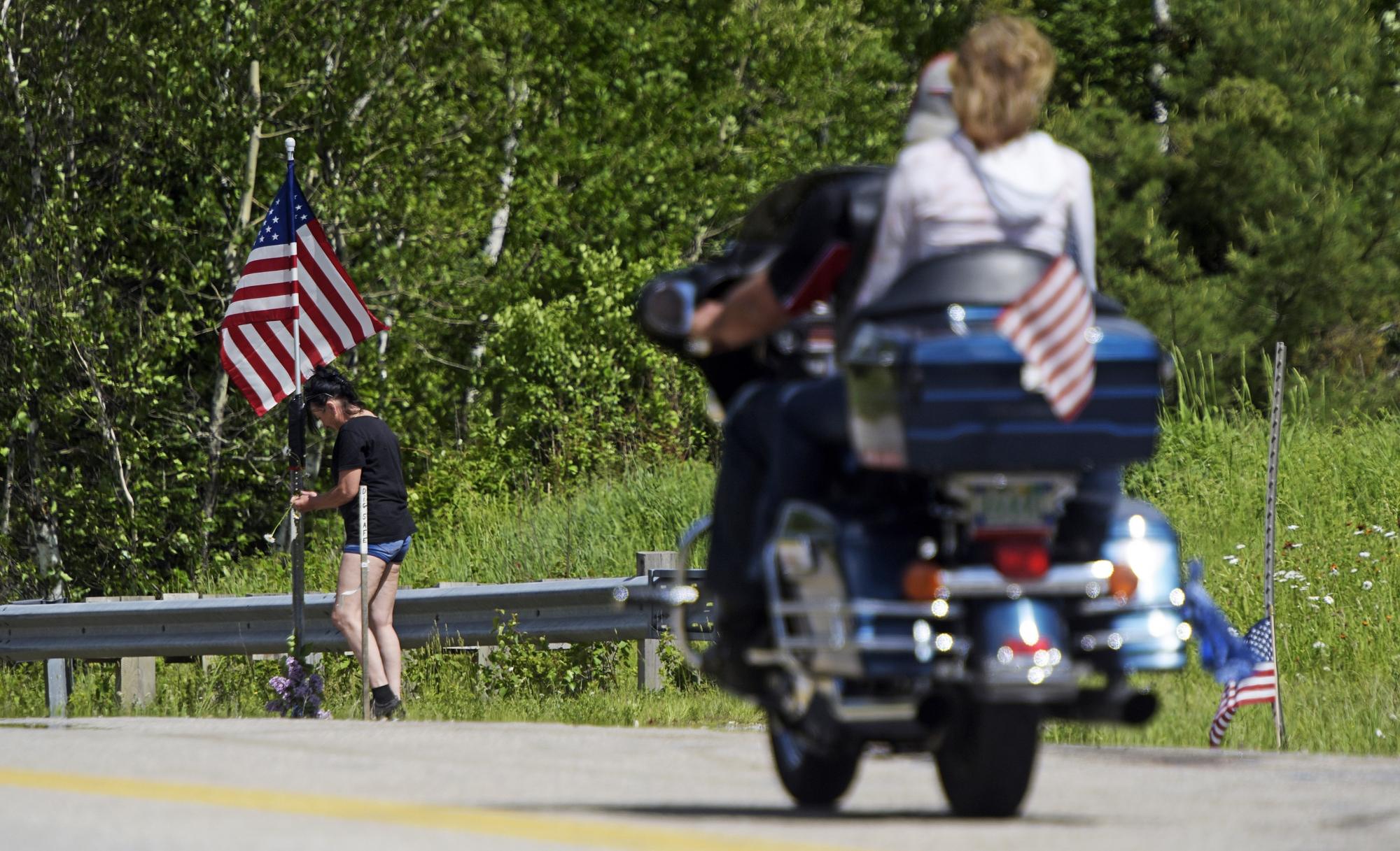 Bikers bid goodbye to 7 motorcyclists killed in crash | WTOP