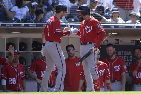 Nationals hit 4 straight homers in 8th to stun Padres 5-2