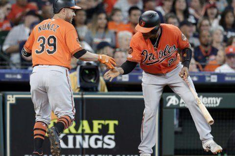 Núñez, Martin homer to lead Orioles over Astros 4-1
