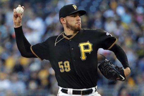 Musgrove pitches 7 solid innings, Pirates beat Padres 2-1