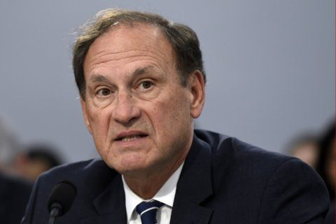 Alito suggests chance to rein in federal agency power