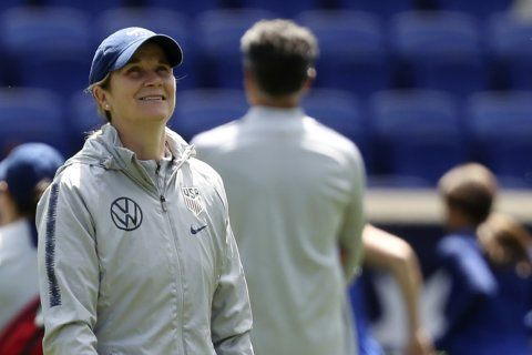 Ellis downplays comments by former US goalkeeper Hope Solo