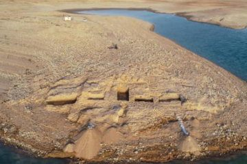 VIDEO: Drought reveals ancient palace in Iraq