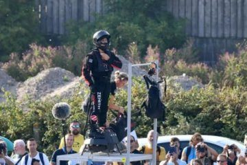 See hoverboard daredevil attempt to cross the English Channel