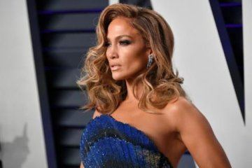 Jennifer Lopez turns 50. See how she's celebrating!
