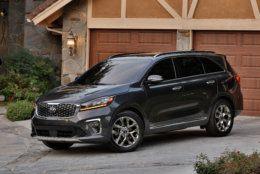 2019 Kia Sorento Purchase Deal: 0% financing for 66 months plus up to $2,000 bonus cash (Courtesy Kia Motors America)
