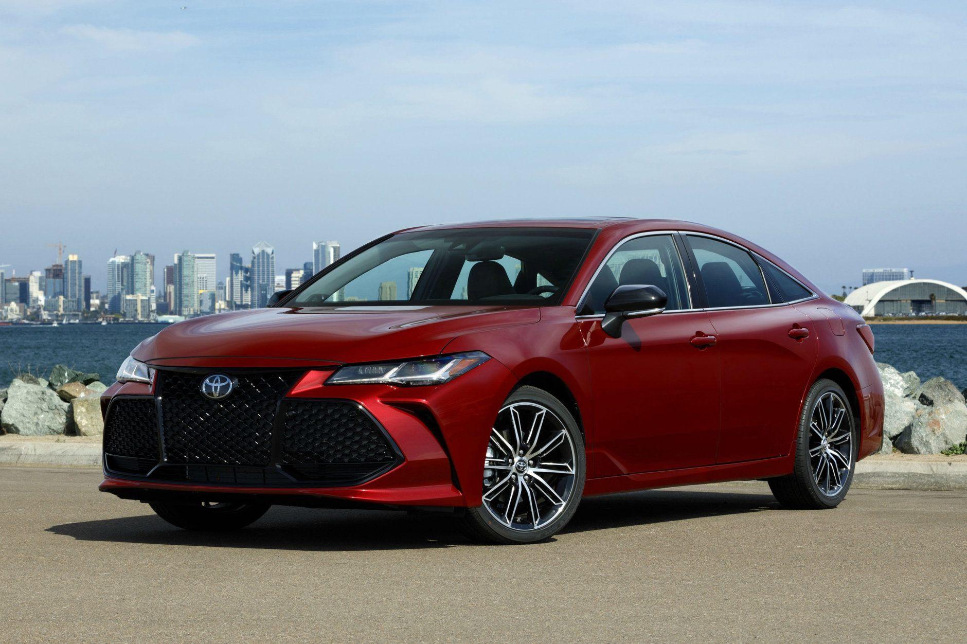 2019 Toyota Avalon Purchase Deal: $3,000 cash back (Courtesy Toyota Motor Sales USA)