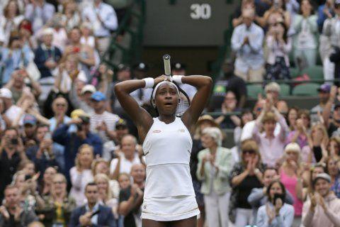 Just 18, 'FAA' taking flight at Wimbledon; Gauff wins again