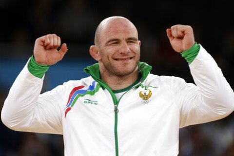Wrestler Taymazov loses second Olympic gold medal for doping