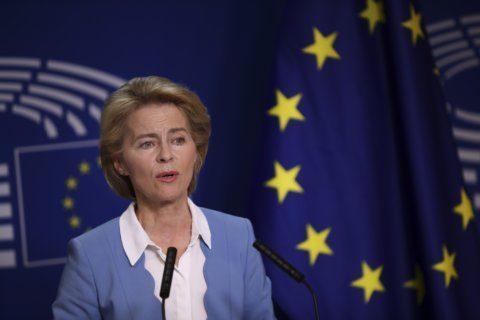 German defense minister resigns to pursue EU's top job