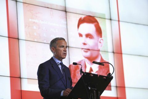 Codebreaker Alan Turing to be face of new British banknote