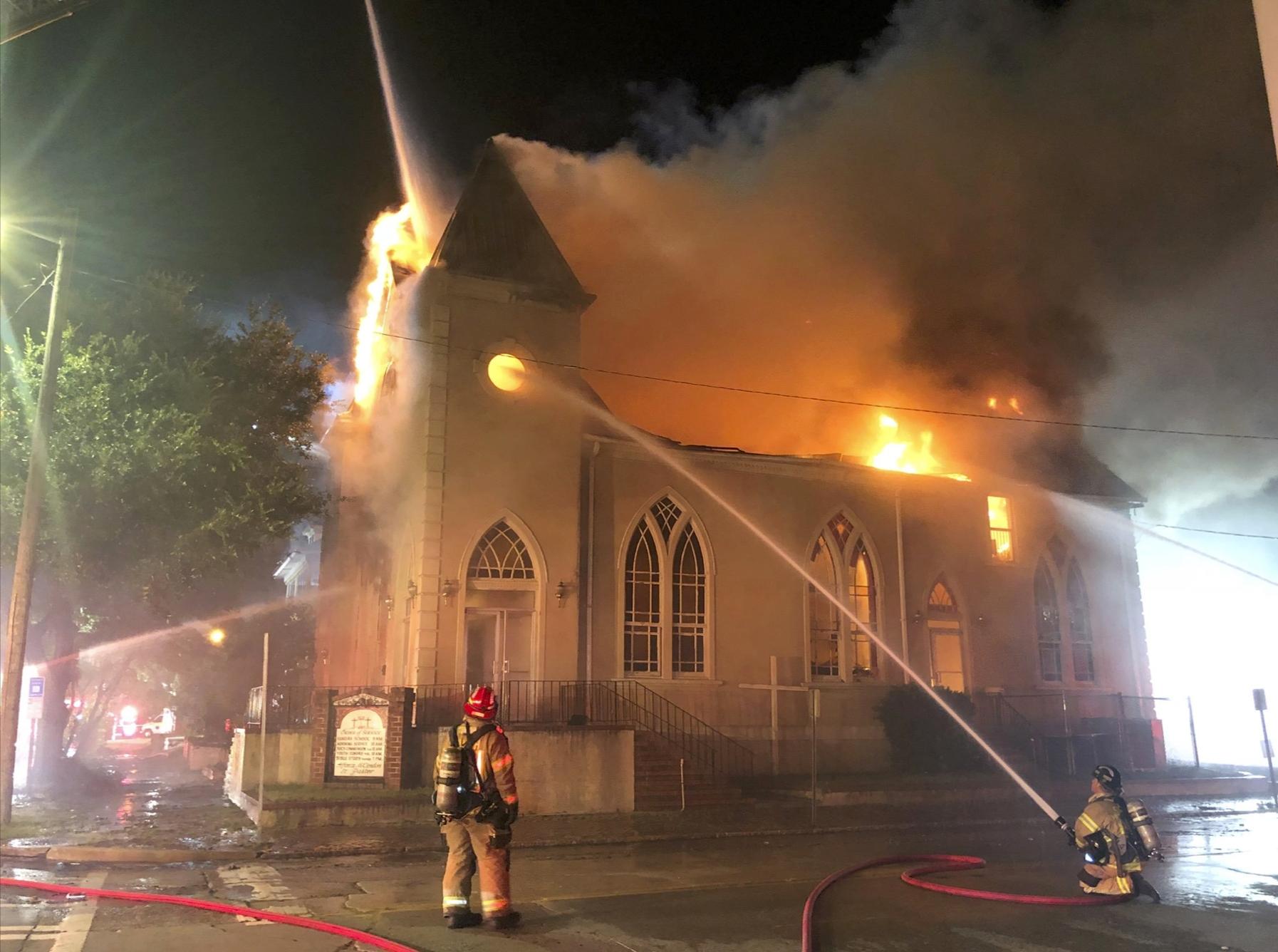 House fire devours Baptist church in Savannah, Georgia | WTOP