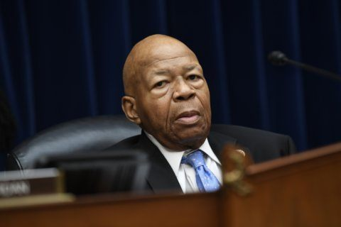 Trump aides privately balk at Cummings attacks as strategy