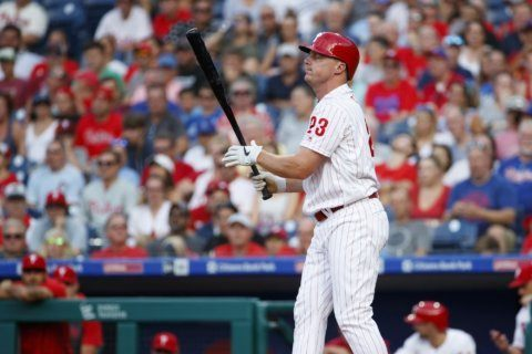 Phillies lose left fielder Jay Bruce to right oblique strain