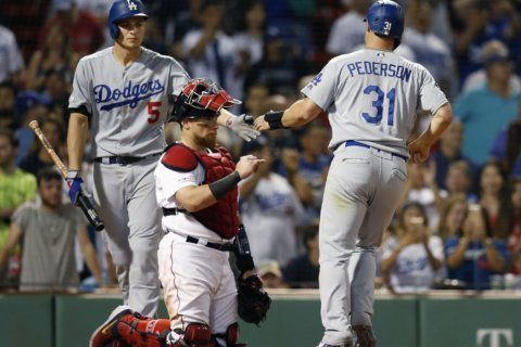 Dodgers beat Red Sox in 12 innings on Muncy's RBI walk