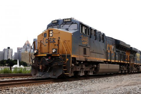 CSX 2Q profit down 1% on weaker volume