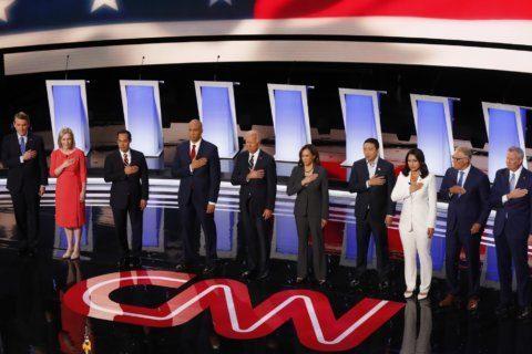 Democrats' divisions test Biden's front-runner strength