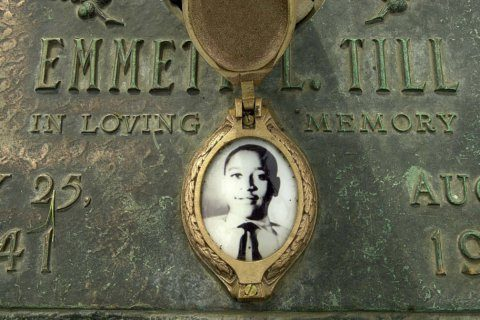 Photo of armed students at Emmett Till sign is investigated