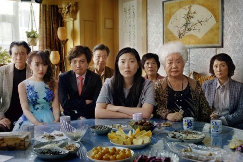 Review: A lovely, bittersweet family story in 'The Farewell'