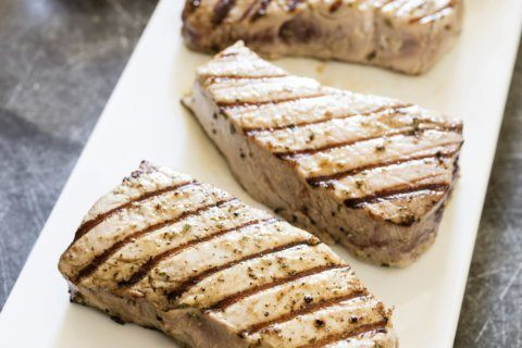 How to grill tuna with a smoky char and a tender interior