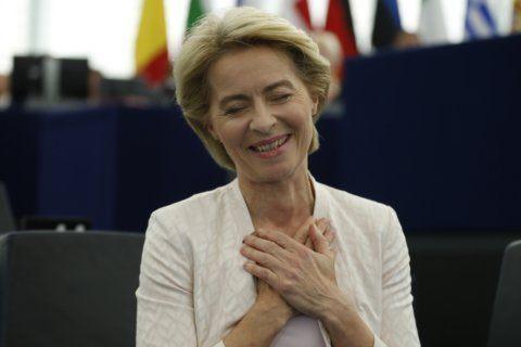 Von der Leyen: pro-EU fixture in Merkel's Cabinets