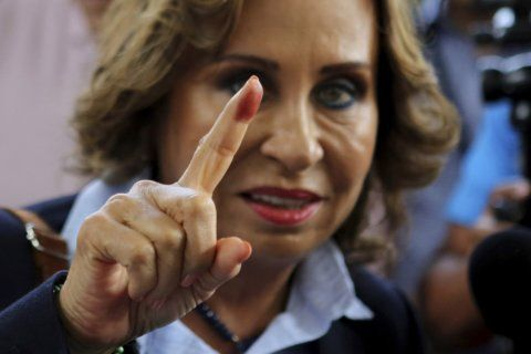 Guatemala confirms ex-1st lady, doctor to face off in runoff