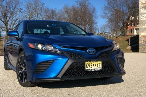 Toyota Camry Hybrid offers space and style without sacrificing MPG