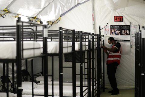 Asylum-seeker talks about daughter's death after US custody