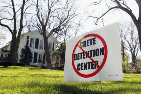Advocates hope Illinois private detention ban sparks change