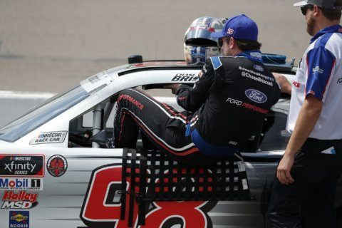 Briscoe overtakes Bell late for NASCAR Xfinity win in Iowa